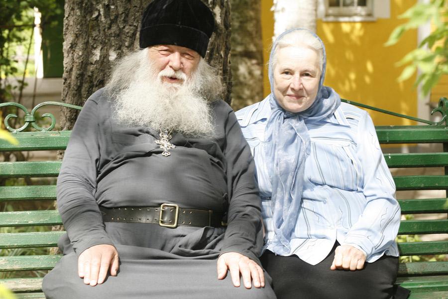 Матушке-Наталье-Константиновне-14-августа-исполнилось-76-лет.-У-нее-семеро-детей-и-34-внука-14-девочек-и-20-мальчиков