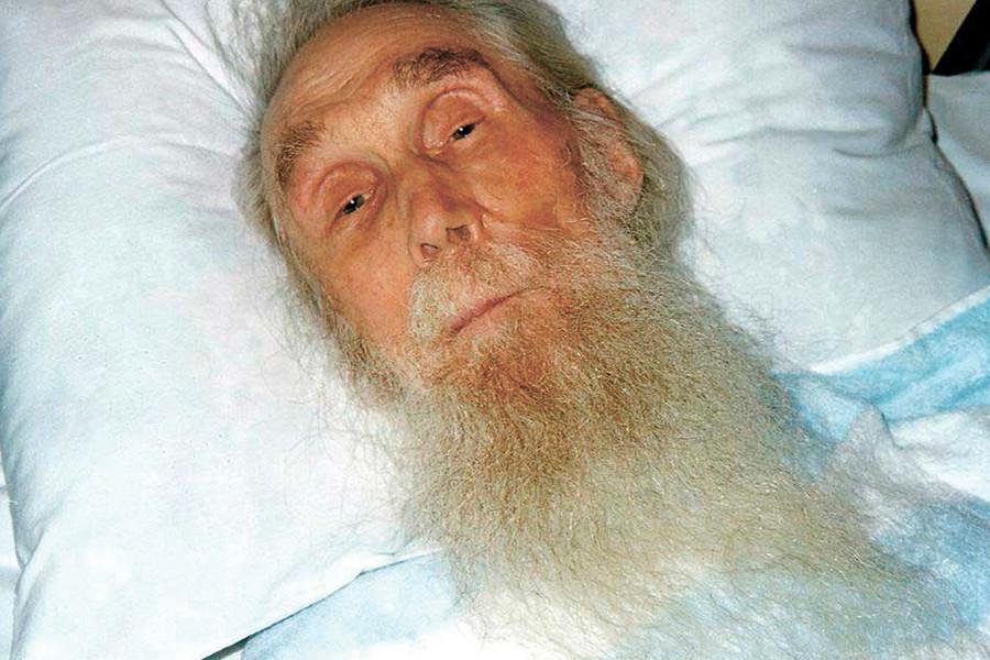 Старец Кирилл в немощи
