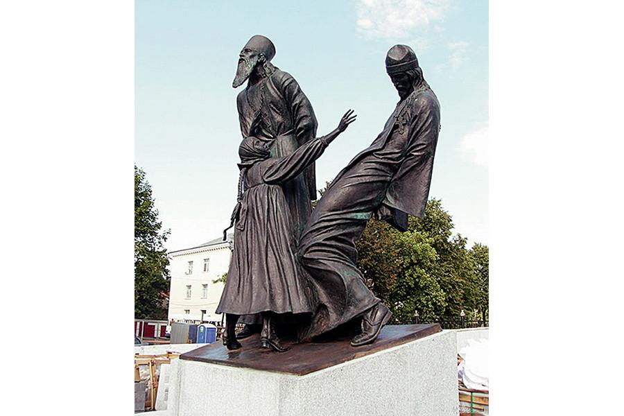 Памятник новомученикам Российским в Шуе