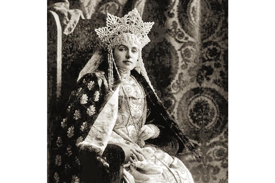 Княгиня Надежда Васильевна Барятинская в русском платье, статс-дама двора императора Александра III 1903