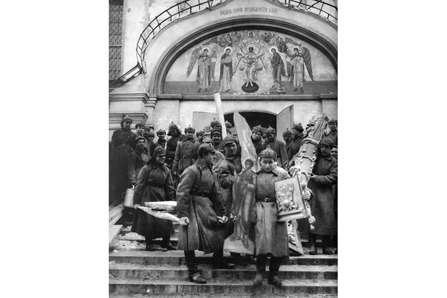 Изъятие церковных ценностей большевиками