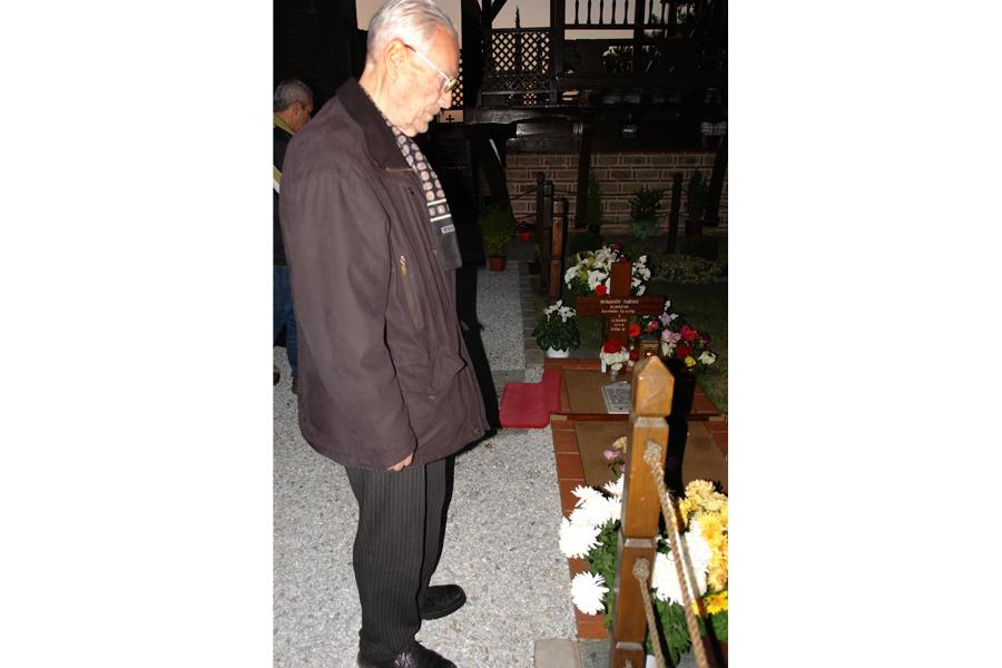 Константин Долгов у могилы великого старца Паисия Святогорца