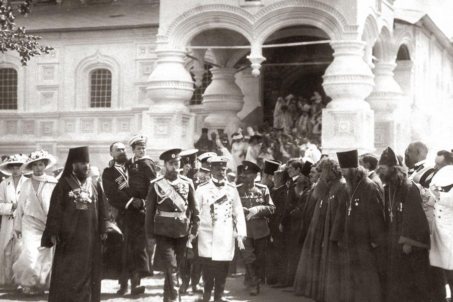 Посещение Ипатьевского монастыря царской семьей