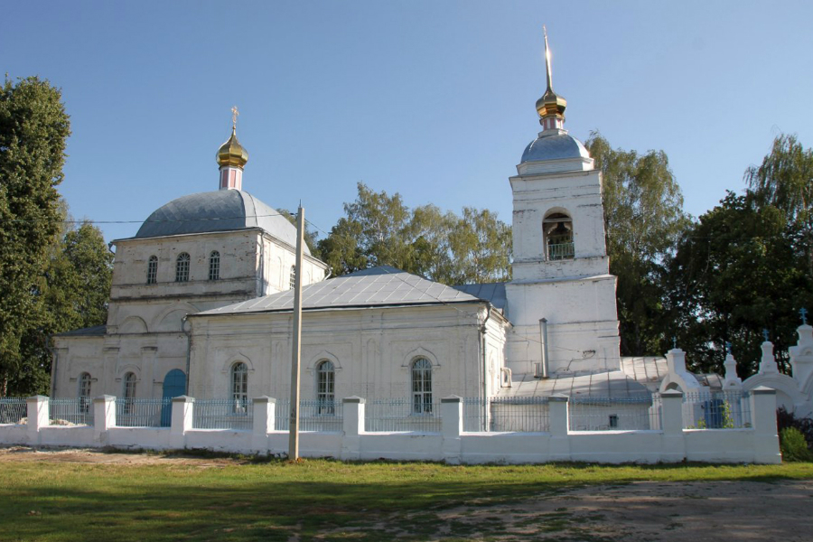 Приходской храм Воскресения Словущего села Сушки