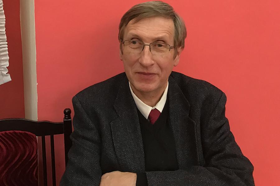 Профессор Аттила Пок