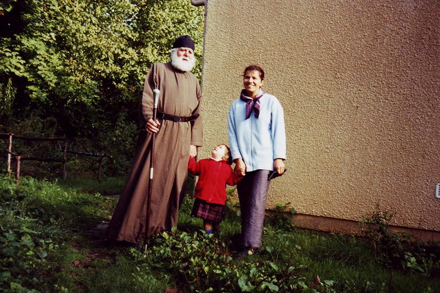 Епископ Леснинский и Брюссельский Серафим и Ольга Петровна Казмина с дочерью