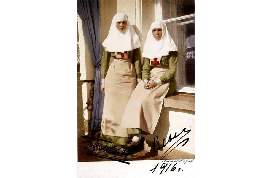 Татьяна и Ольга Романовы