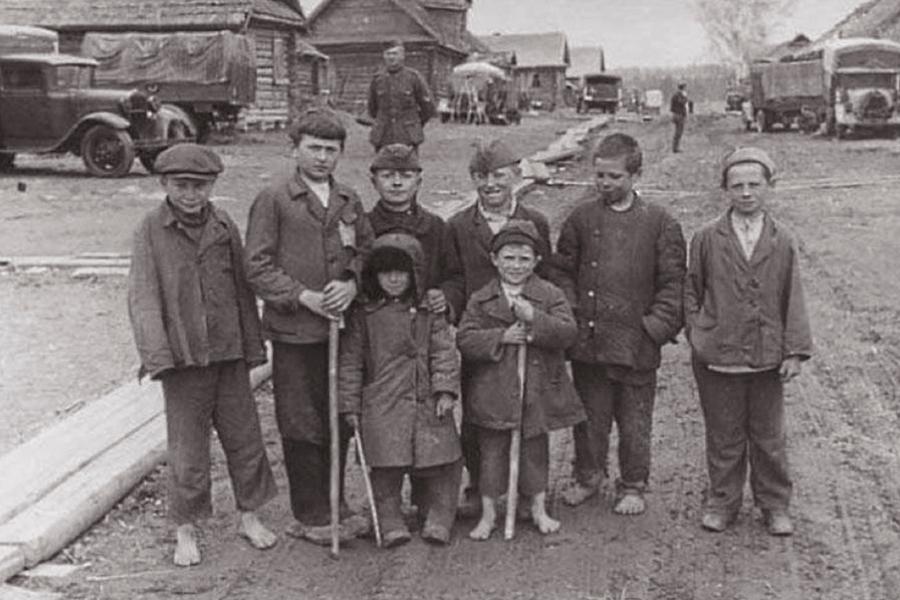Русские дети в оккупированной деревне