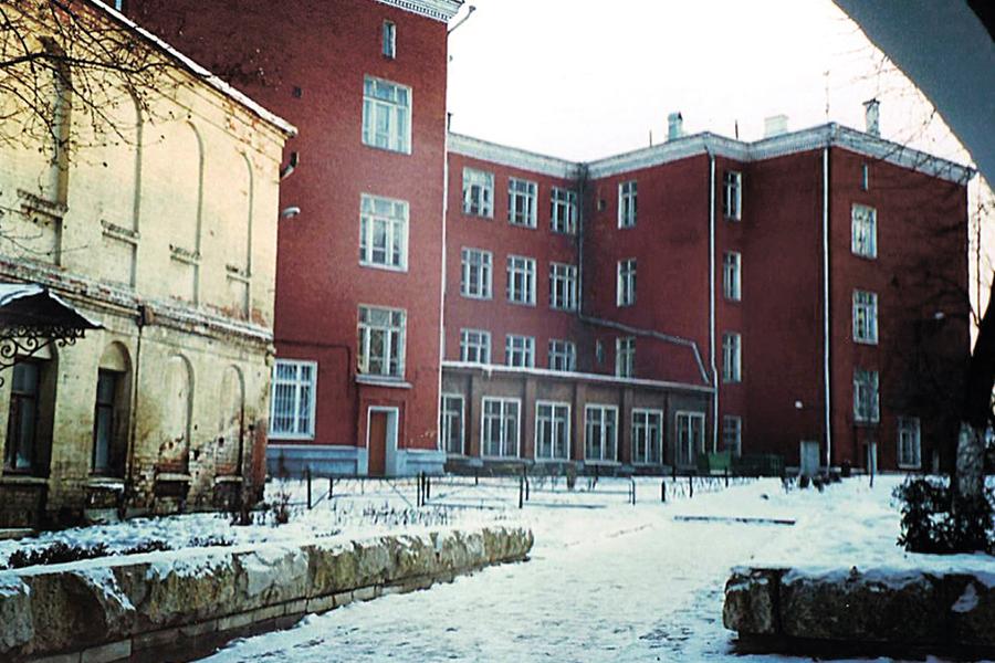 Школа в Зачатьевском монастыре
