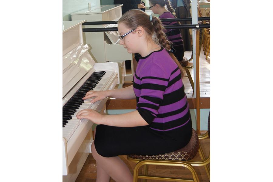 Музыкальные занятия в приюте