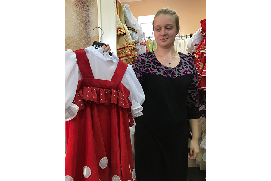 Концертные платья шьют сестры монастыря при участии воспитанниц