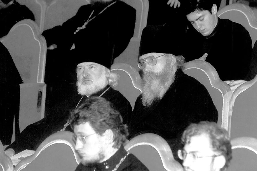 В зале церковных соборов 2002 год