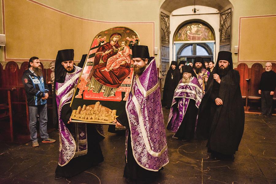 Встреча списка иконы Всецарица, доставленный из Ватопеда в Донской монастырь