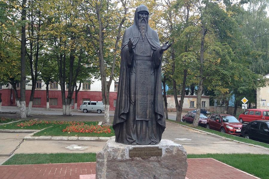 Памятник преподобному Авраамию