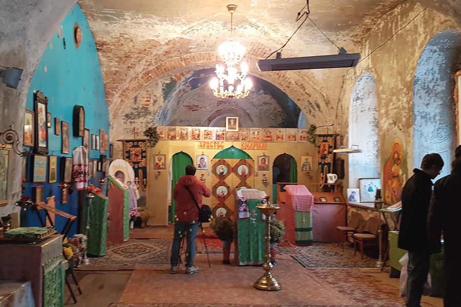 Придел преподобного Василия Парийского исповедника (Власия) был вычищен и обустроен прихожанами