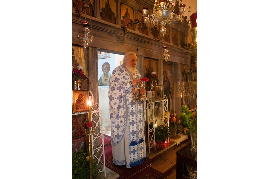 Керкира, монастырь Богородицы Касопитры, отец Киприан. Литургия
