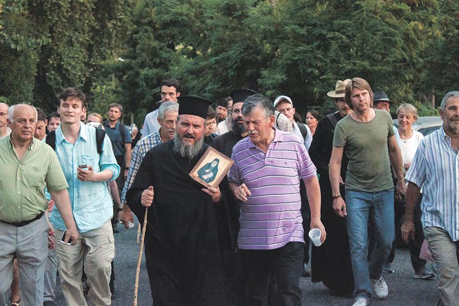 Крестный ход в день памяти преподобного Паисия Святогорца в Конице