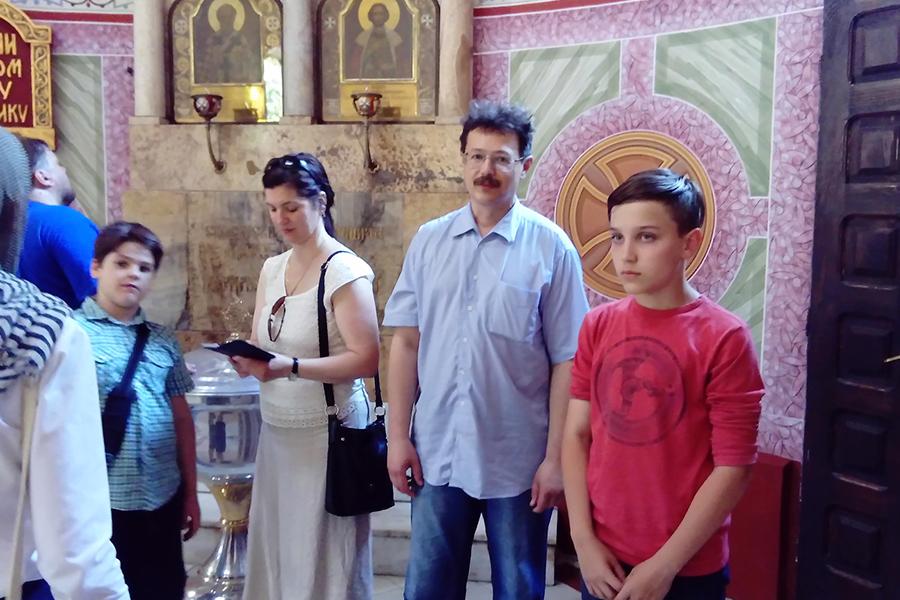 В храме святого благоверного князя Александра Невскско в Белграде.