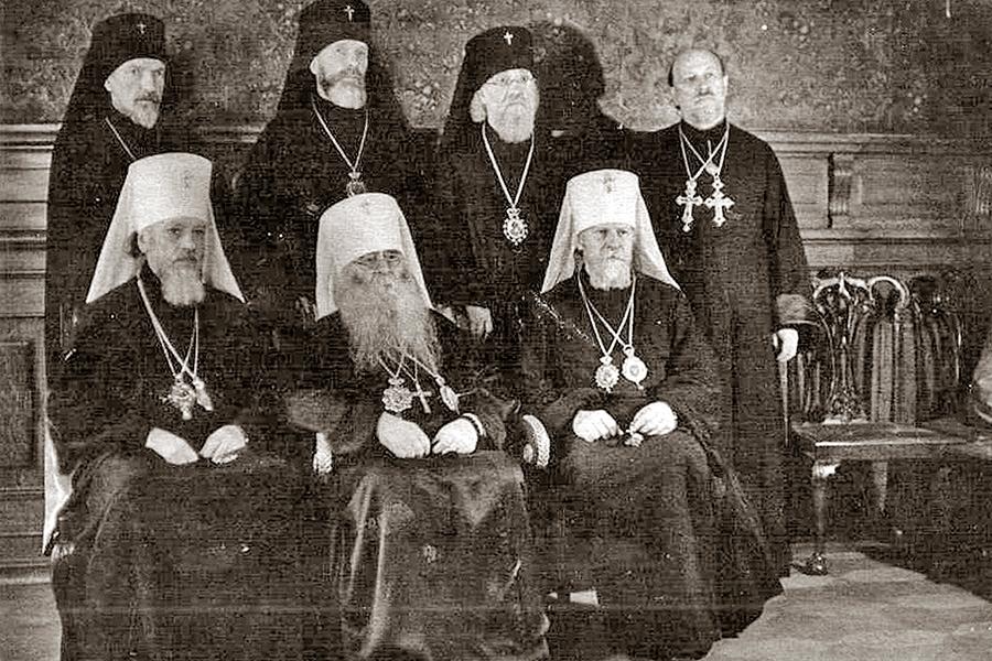 Члены Священного Синода, избранные на Архиерейском Соборе 1943 года
