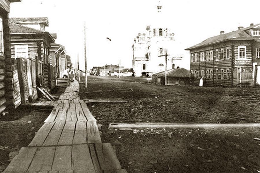 Улицы Кеми, вдали виден Благовещенский собор, 1910-е годы