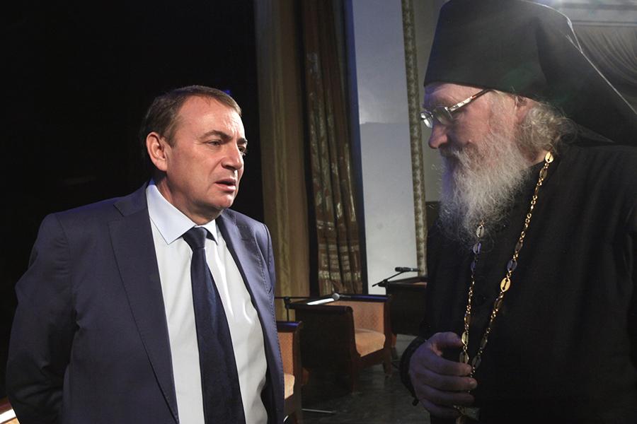 Мэр Сочи Анатолий Пахомов и игумен Киприан (Ященко)