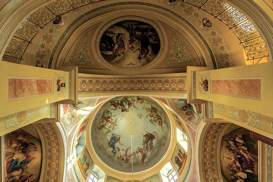 Убранство воссозданного собора великомученицы Екатерины