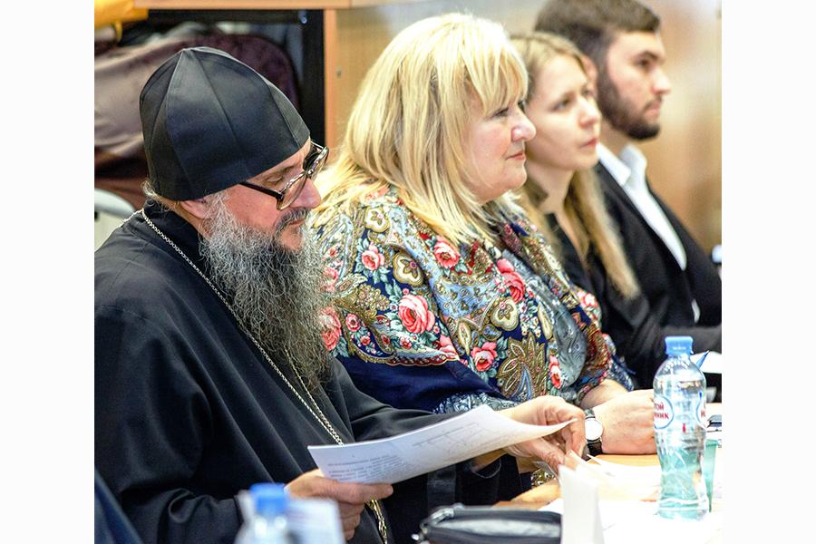 Жюри под председательством протоиерея Геннадия Заридзе и при участии студента Ивана Стеганцова