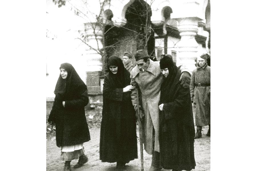 Уход за ранеными бойцами в монастыре