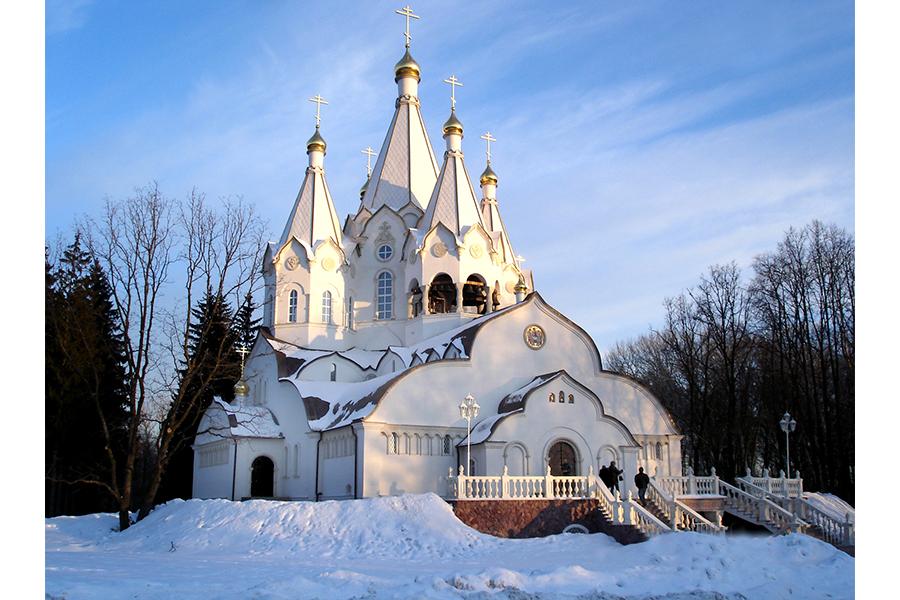 Храм Воскресения Христова и Святых новомучеников и исповедников Российских в Бутове