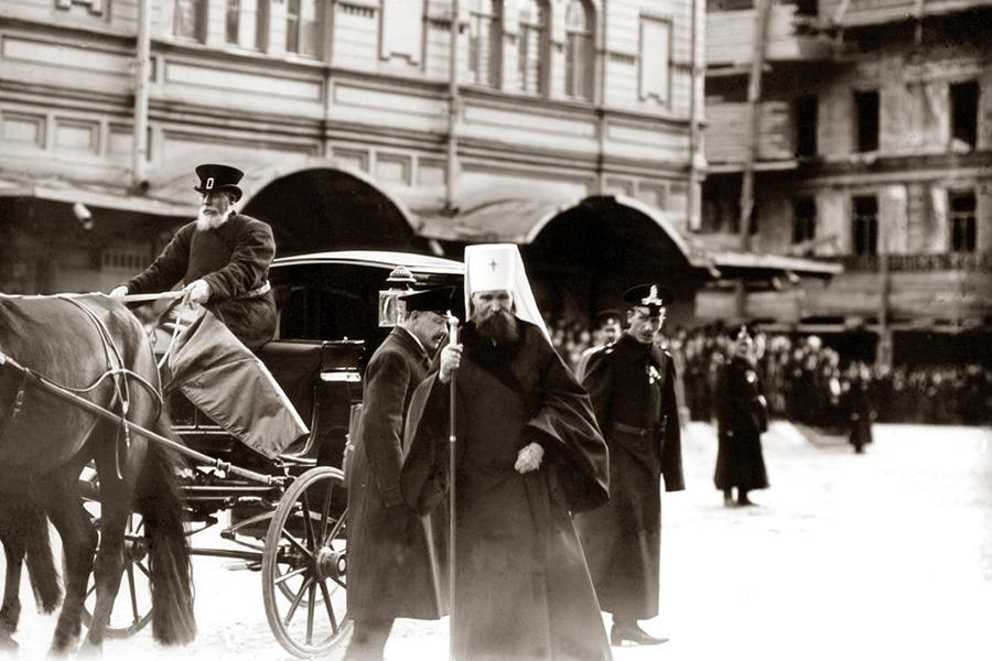 Прибытие митрополита Владимира на закладку Николо-Александровского храма, Санкт-Петербург, 1913 год