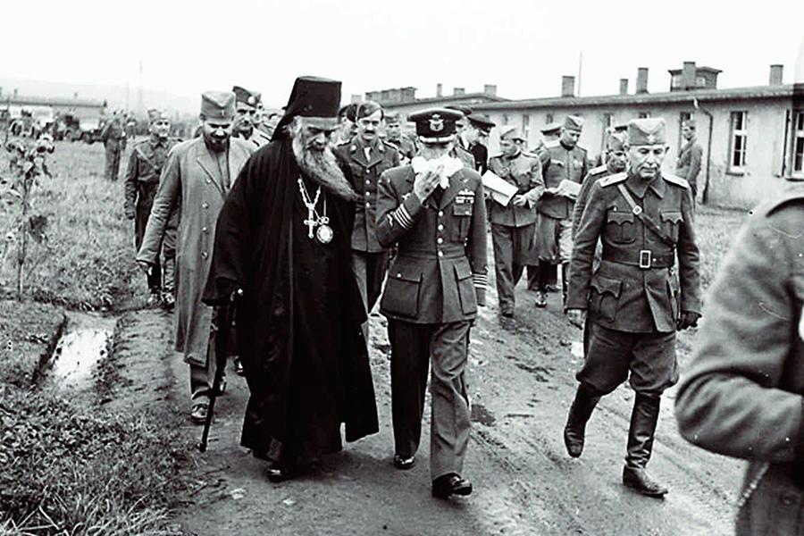 Начало войны владыка встретил в монастыре Жича