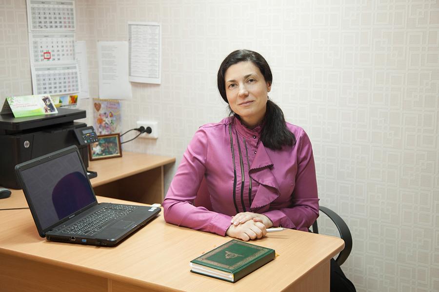 Руководитель социального центра Покров Кочетова Ольга Владимировна  на работе