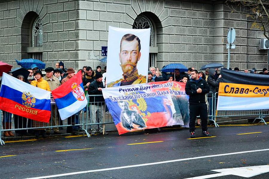 На открытии памятника Николаю II в 2014 году