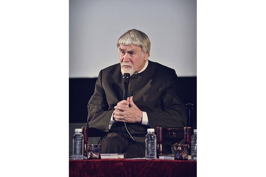 Литературный критик, литературовед, прозаик, член президентского Совета по культуре Валентин Яковлевич Курбатов
