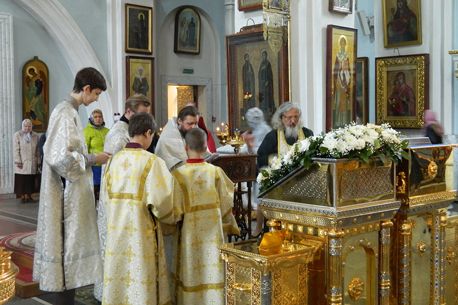 Молебен в день рождения государя Николая II в кафедральном Свято-Духовом соборе Минска