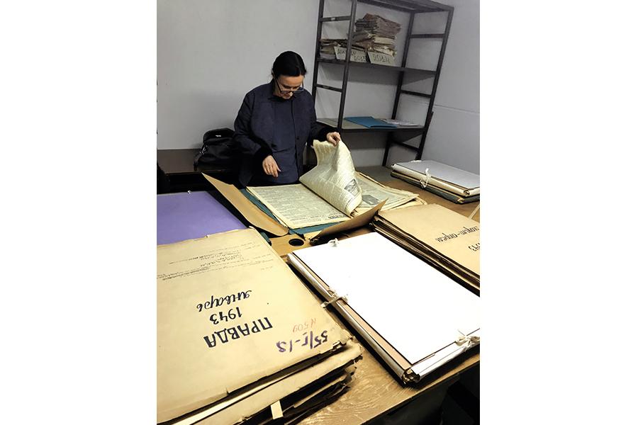 Изучение подшивок газет периода Сталинградской битвы в Национальном фондохранилище РКП в Можайске