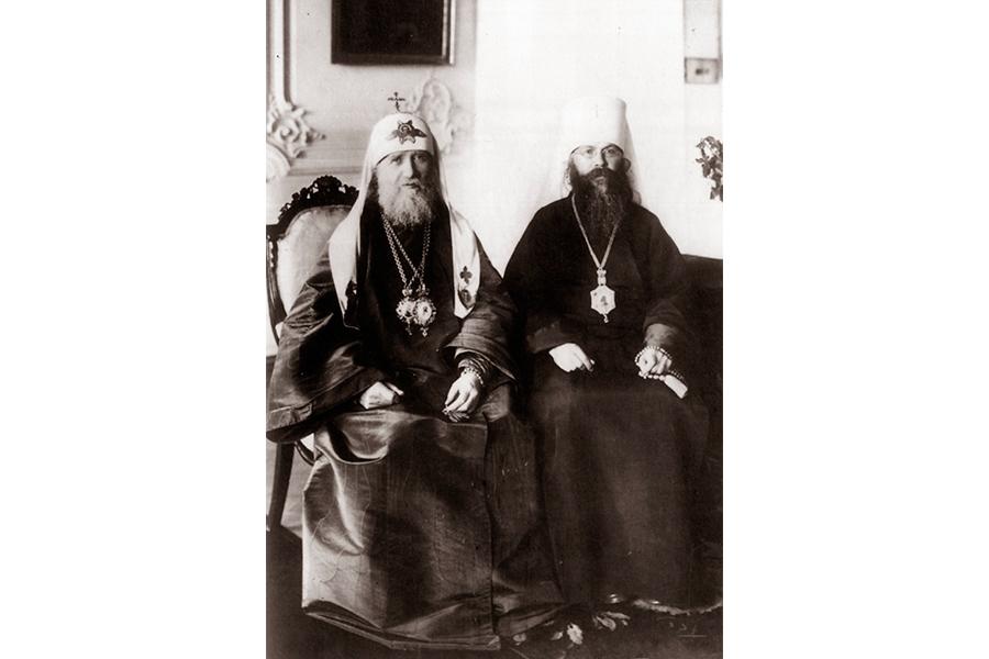 Патриарх Московский и всея Руси Тихон и митрополит Петро¬градский и Гдовский Вениамин