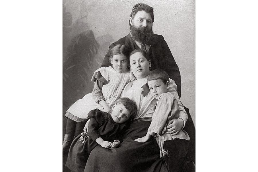 Максим Дмитриев с семьей, Нижний Новгород