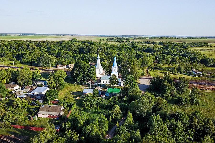 Церковь в селе Маково с высоты птичьего полета