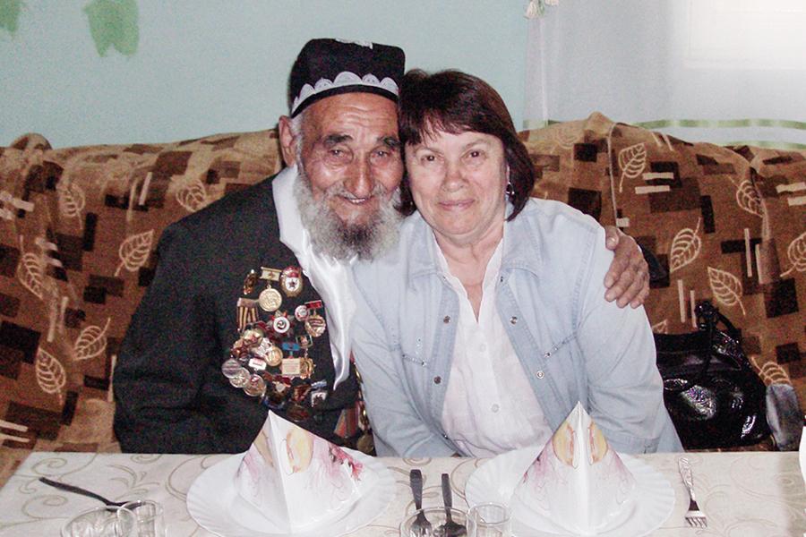 Защитник Дома Павлова Комалджан Тургунов, имея 12 детей, к Зинаиде Петровне Селезневой относился, как к дочери