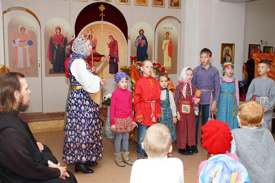 Пасхальный праздник в храме св. мученика Иоанна Воина в Челябинске