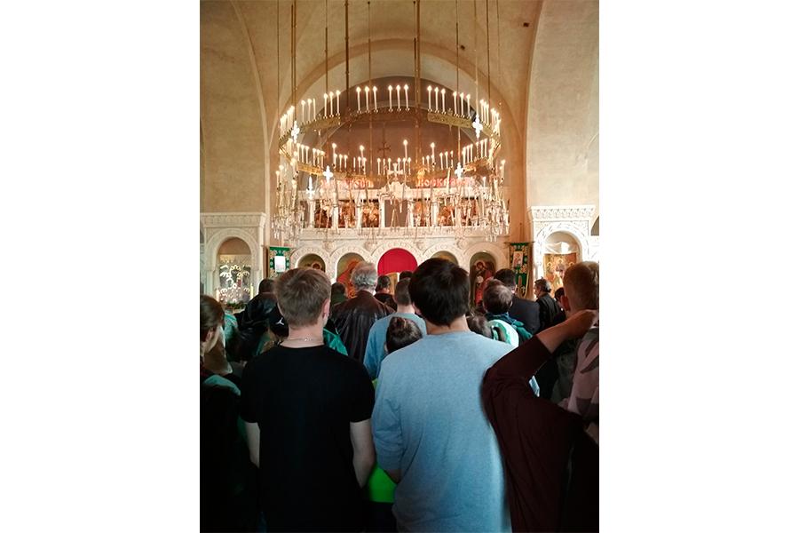 Заупокойная лития в церкви Живоначальной Троицы села Уницы