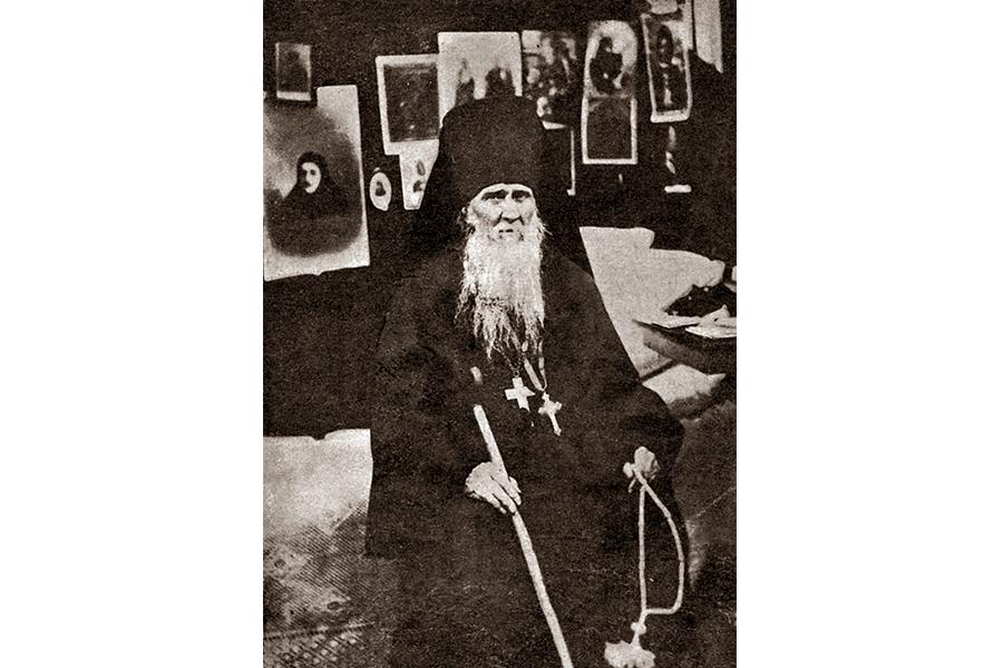 Оптинский старец Амвросий в своей келье