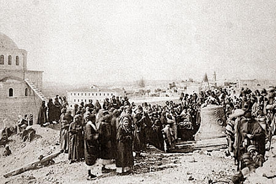 Доставка колокола на Елеон в 1885 году