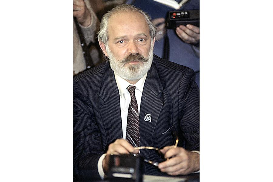 Эдуард Володин