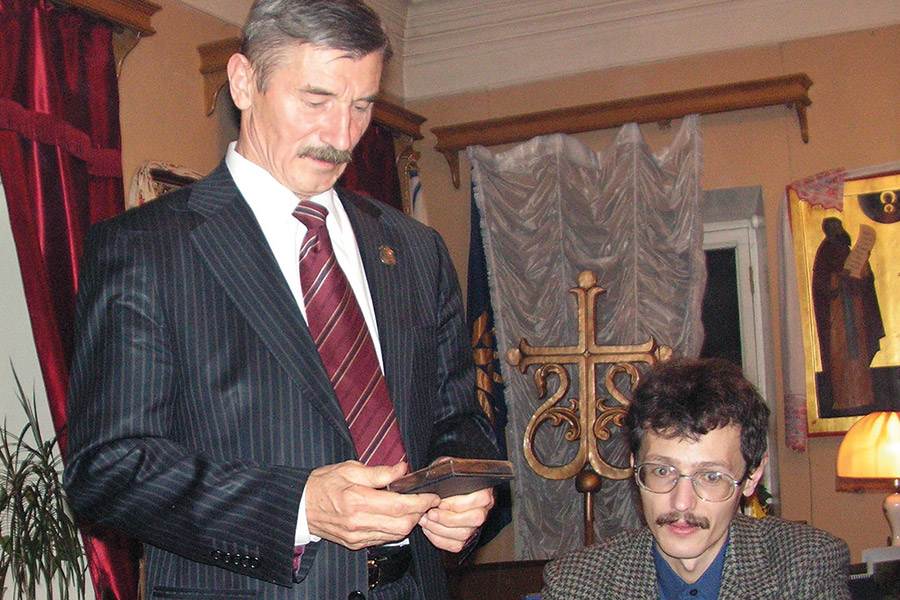 Скульптор Вячеслав Клыков и славист Илья Числов