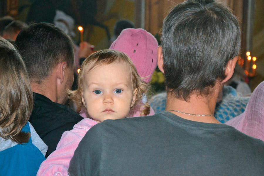 Нигде ребенок не может так хорошо усвоить христианские заповеди, как в кругу семьи