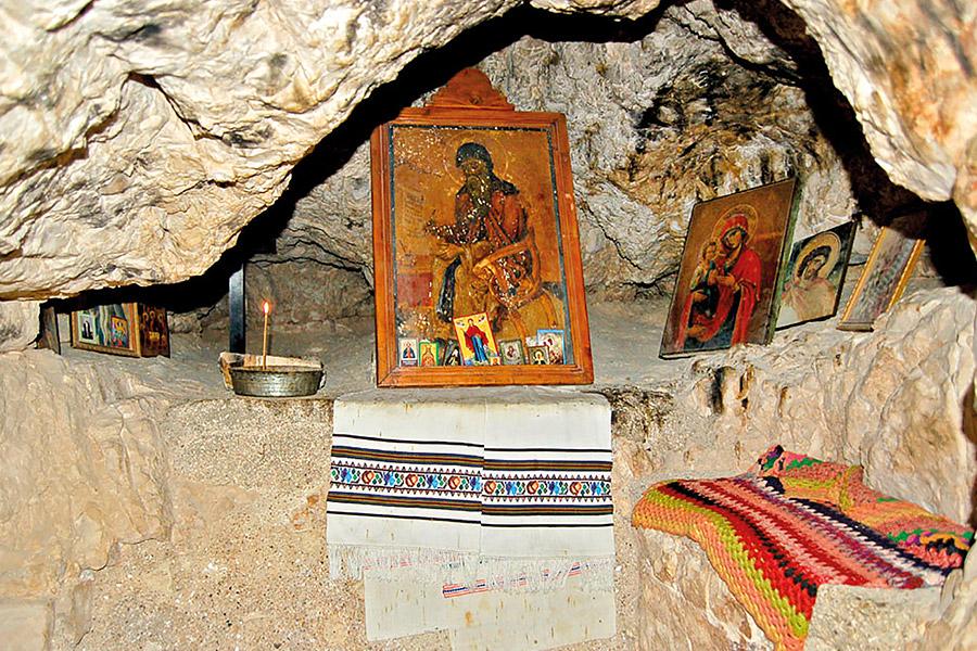 Пещерная келья Саввы Преосвященного