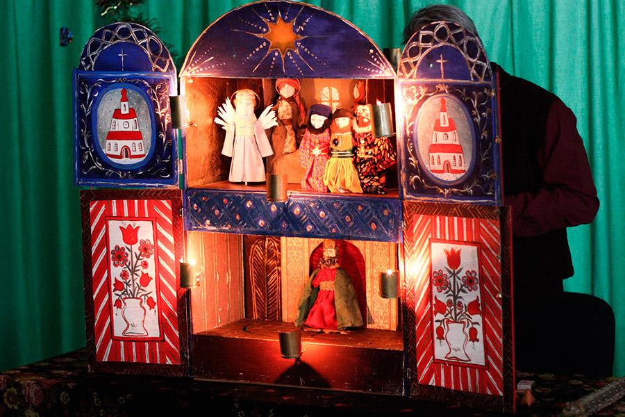 Рождественский кукольный театр и вертеп