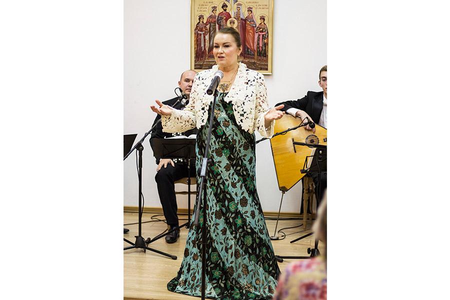 Искусство Татьяны Юрьевны Петровой развивается в присущих русской культуре устоях, принципах и традициях